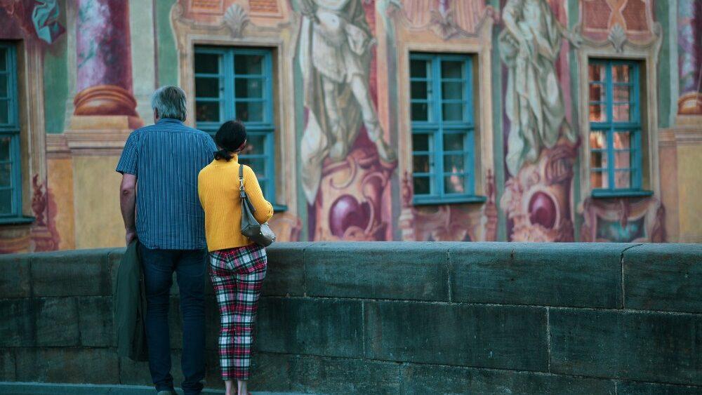 Geborgenheit finden in Ihrer Nähe. Bernd und Claudia aus Bamberg habens schon geschafft, nun sind Sie dran bei infranken.de. Bild: https://pixabay.com/de/photos/bamberg-altes-rathaus-4454863/