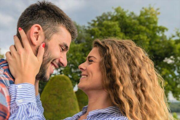 pexels photo 984924 600x400 - 50 Beziehungsfragen für alle Phasen einer Beziehung