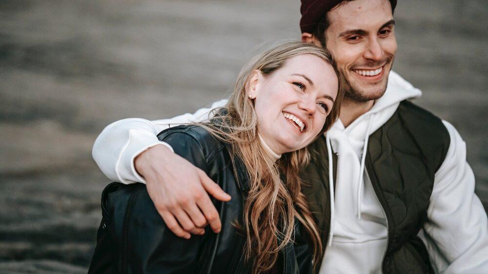 pexels katerina holmes 5910982 1000x563 - Phasen einer Beziehung: Was macht die Verliebtheitsphase so besonders?
