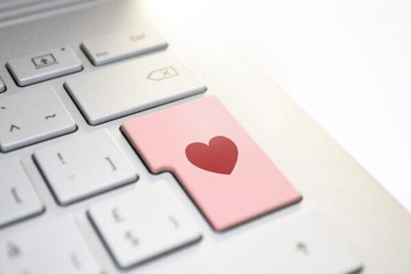 heart 3698156 1920 1 600x400 - Männer kennenlernen: Mit diesen Tipps endlich den Richtigen finden