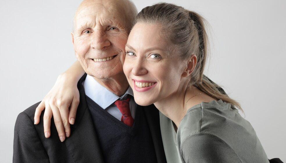 pexels andrea piacquadio 3831156 1 984x563 - Altersunterschied Beziehung: Wie wirkt sich der Altersunterschied auf eine Beziehung aus?