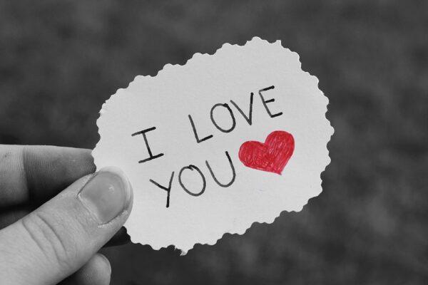 paper 4544059 1920 1 600x400 - Ich liebe dich – 10 Gründe, 10 Sprüche und 5 Liebeserklärungen